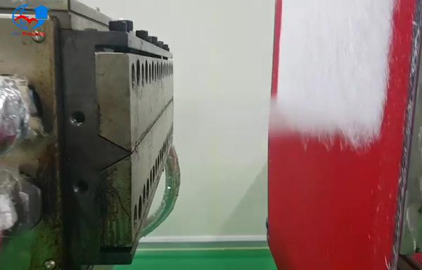 khuon-phun-soi-may-lam-giay-khang-khuan